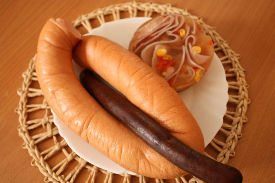 Crenvurști, cârnat și piftie, mâncare în Slovacia