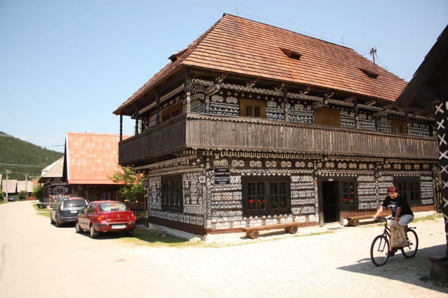 Casă cu două niveluri în Cicmany, Slovacia
