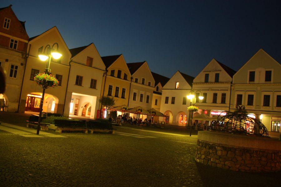 Piața Sf. Maria noaptea, Zilina, Slovacia