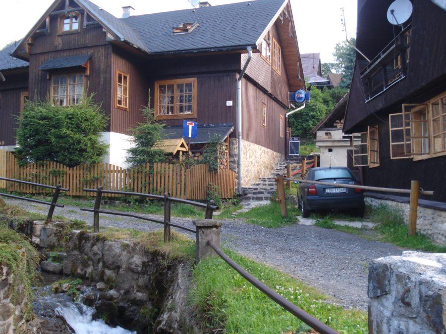 Casă slovacă într-un sat din munții Tatra