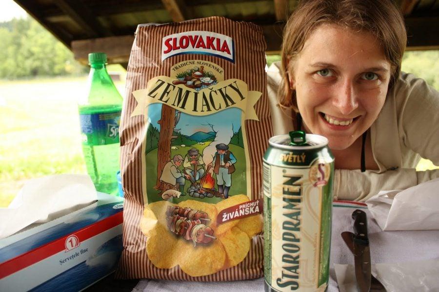 Chips-uri și bere Staropramen în Slovacia