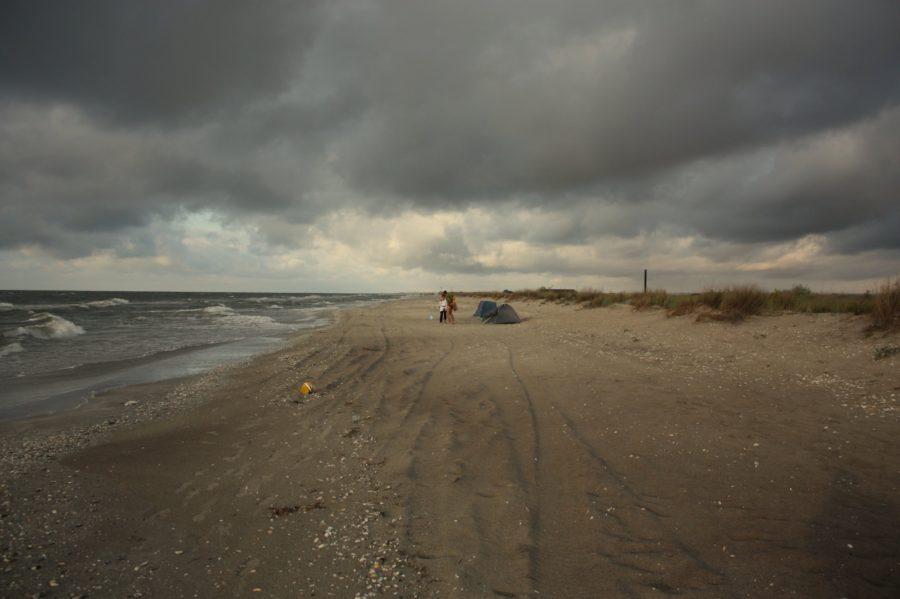 Furtună pe plaja din Vadu
