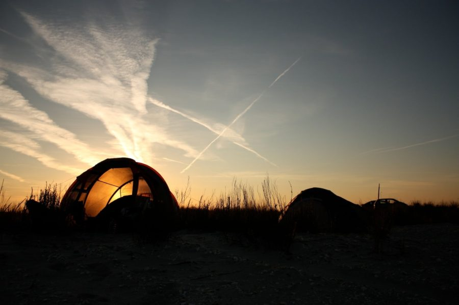 Cu cortul pe plaja din Vadu, Marea Neagră