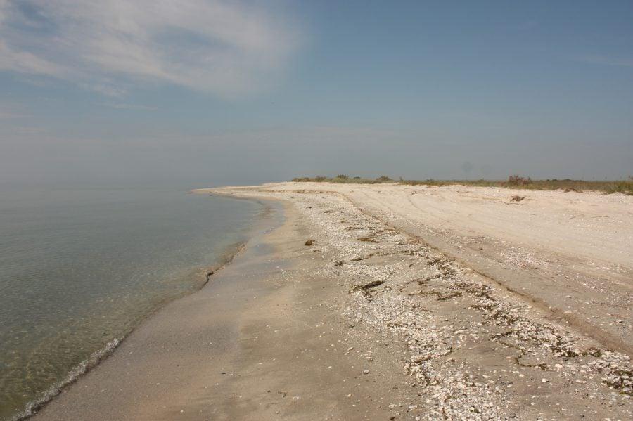 Plaja pustie din Vadu, România