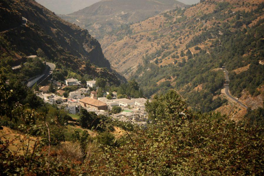 Valea Poqueira, Alpujarras, Sierra Nevada, Spania