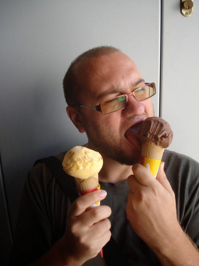 Mare mâncator de înghețată