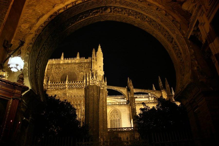 Catedrala din Sevilia, noaptea