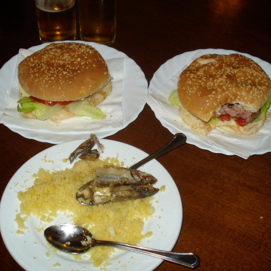 Hamburgeri și migas cu sardine, Spania