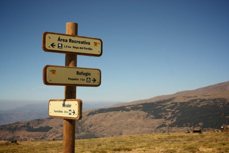 Indicatoare in Sierra Nevada, Spania
