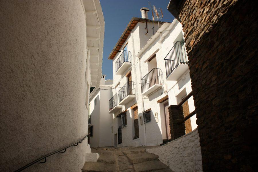 Strada ingusta in Capileira, Alpujarra, Spania