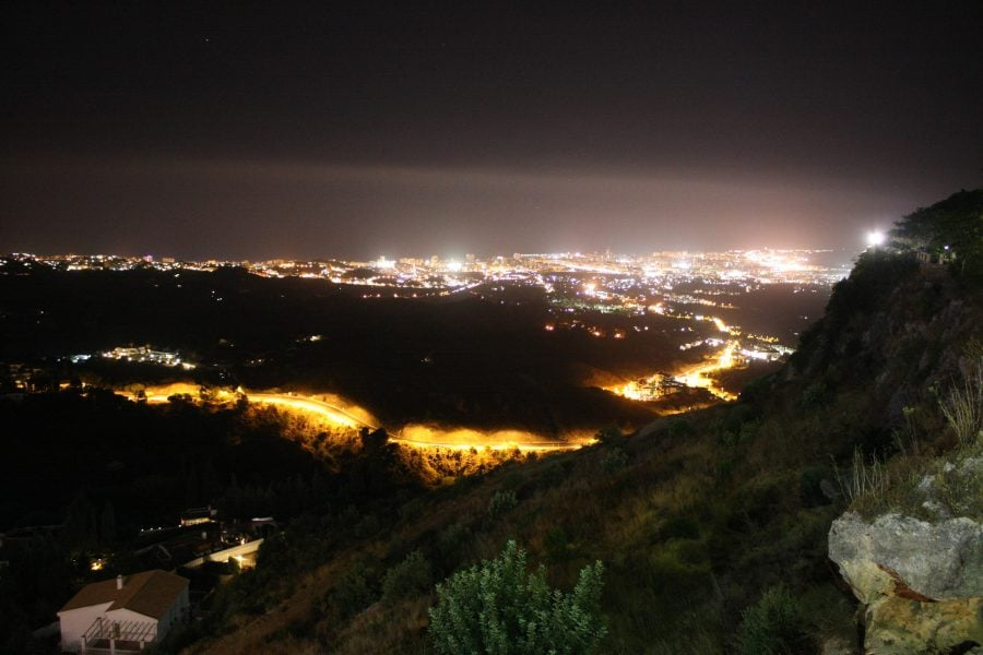 Vedere din Mijas către Fuengirola, noaptea, Costa del Sol, Andalusia, Spania