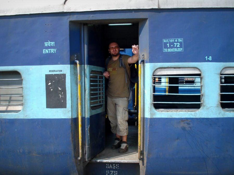 Cu trenul Ernakulam, Kochi și Allepey (Alappuzha), Sleeper Class, India