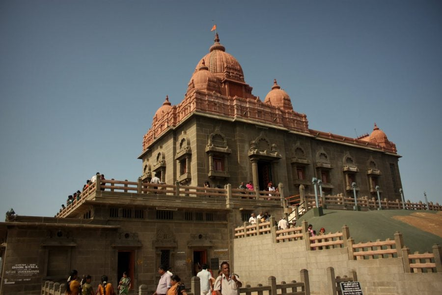 Vivekananda Mandapam pe insula de lângă Kanyakumari, Tamil Nadu