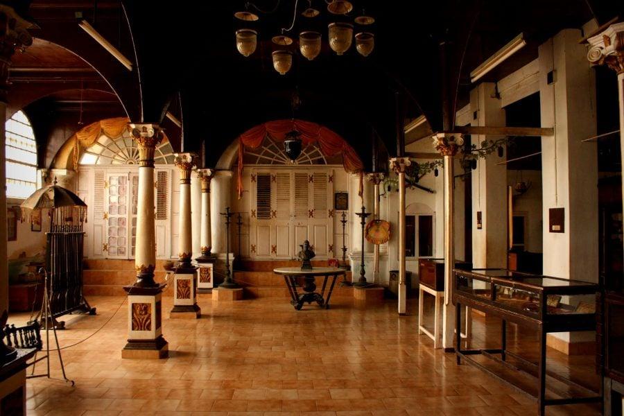 Interior casă colonială, Muzeul de la etaj, Palatul Regal din Thanjavur, Tamil Nadu, India