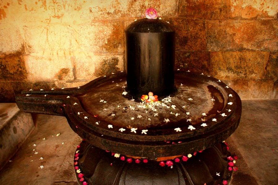 Lingam din templul Brihadeshwarar sau dovezi ale existentei cylon-ilor, Thanjavur, India
