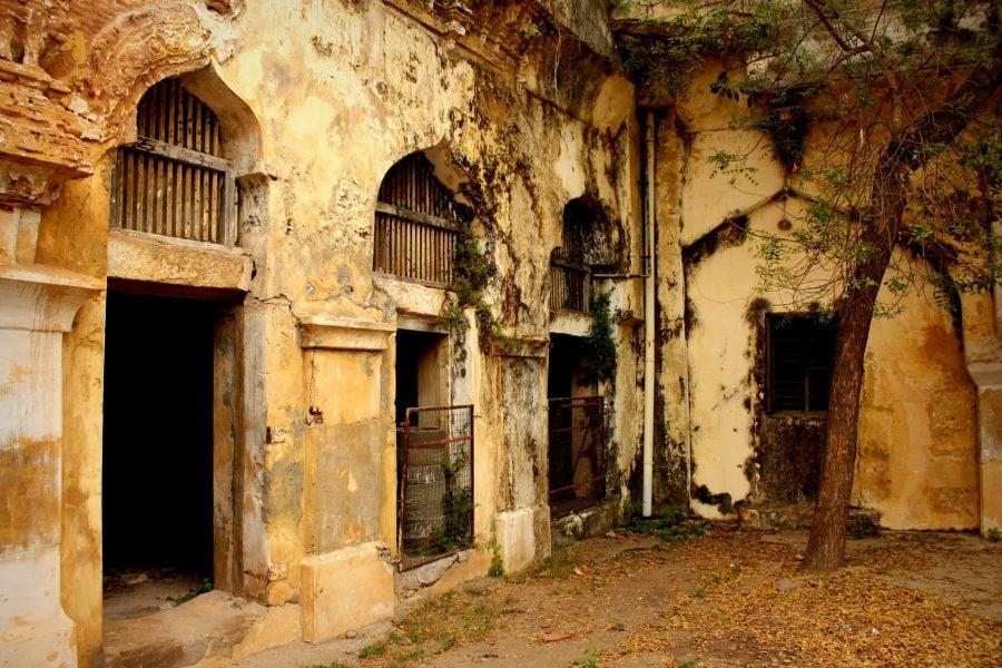 Palatul regal din Thanjavur în paragină, Tamil Nadu, India