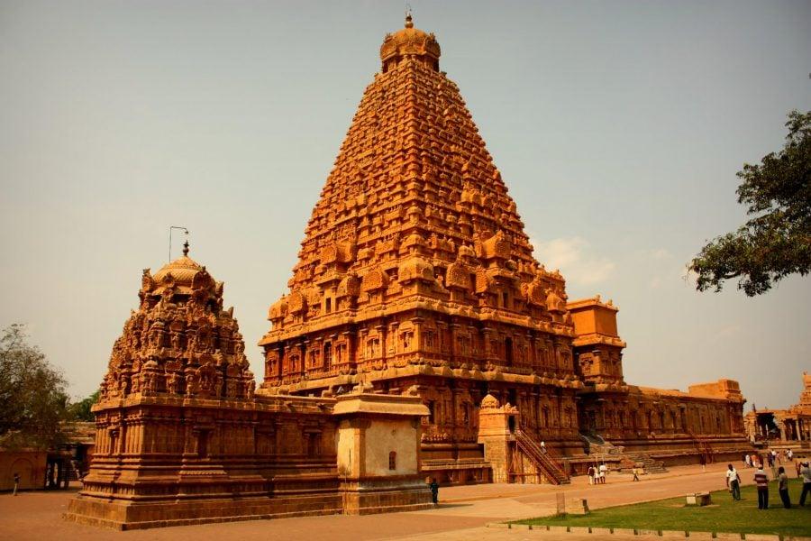 Templul dravidian portocaliu din Thanjavur, sudul Indiei