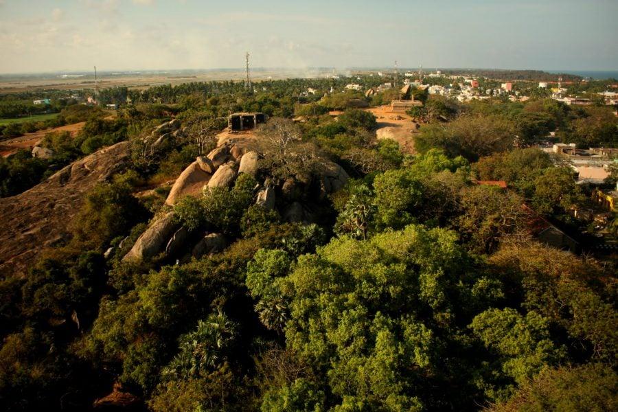 Vedere din farul deasupra orașului Mamallapuram, Tamil Nadu, India