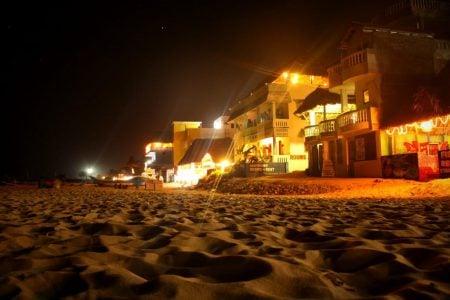 Hotel Dancing Waves - plaja seara, Mamallapuram, Tamil Nadu, India