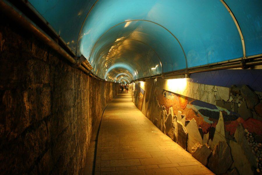 Tunel între gară și sat, Riomaggiore, Cinque Terre, Italia