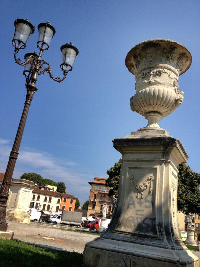 Prato della Valle, Padova, cea mai mare piață din Europa