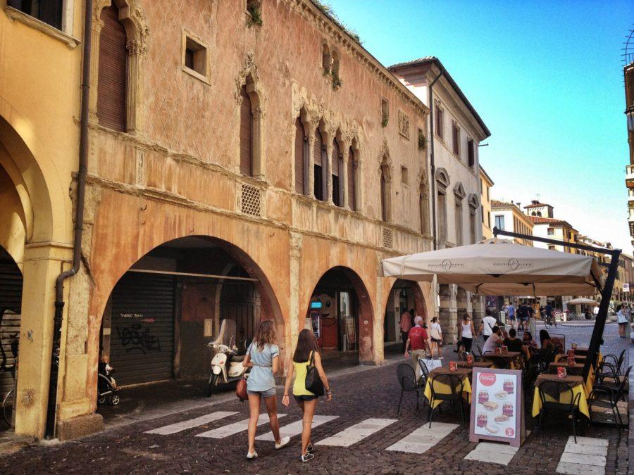 Hoinărind pe străzi, Padova, Italia