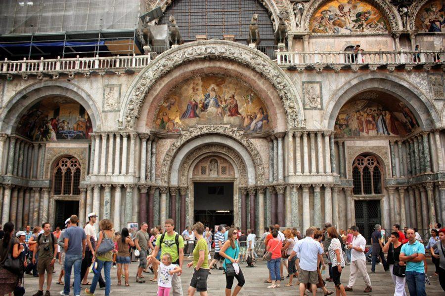 Arcadele decorate de la intrarea în basilica San Marco, Veneția