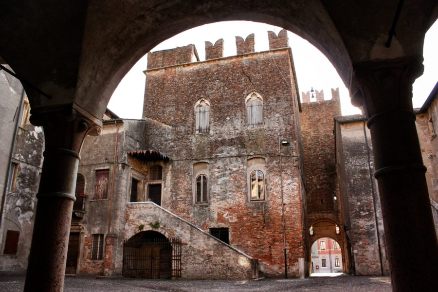 Castelul din Sanguinetto, Italia
