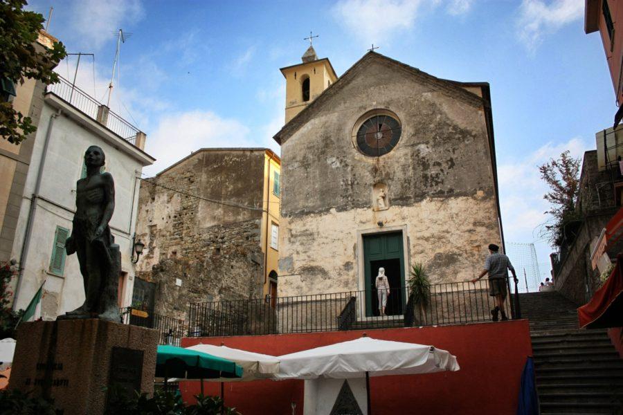 Biserică din Corniglia, Cinque Terre, Liguria, Italia
