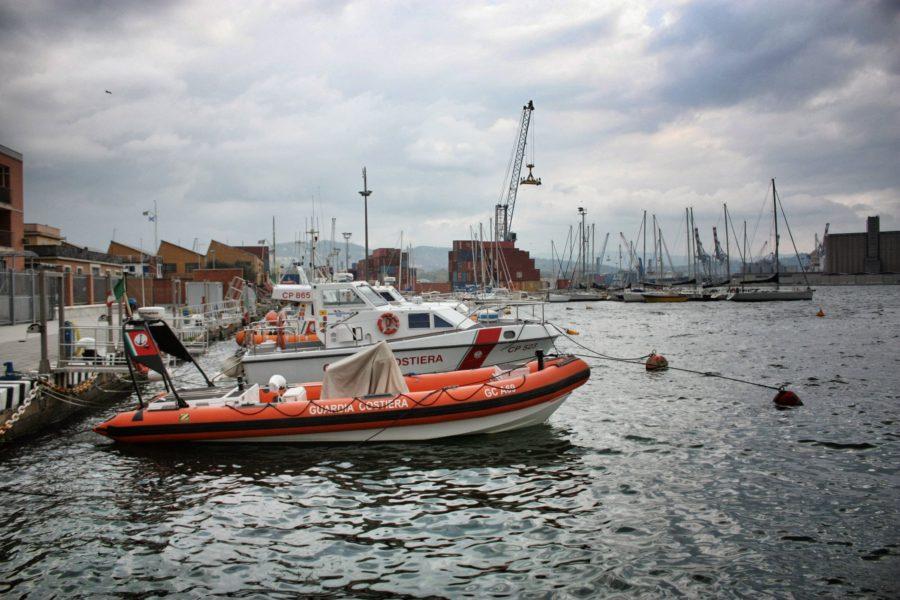 Barcă în portul din La Spezia, Italia
