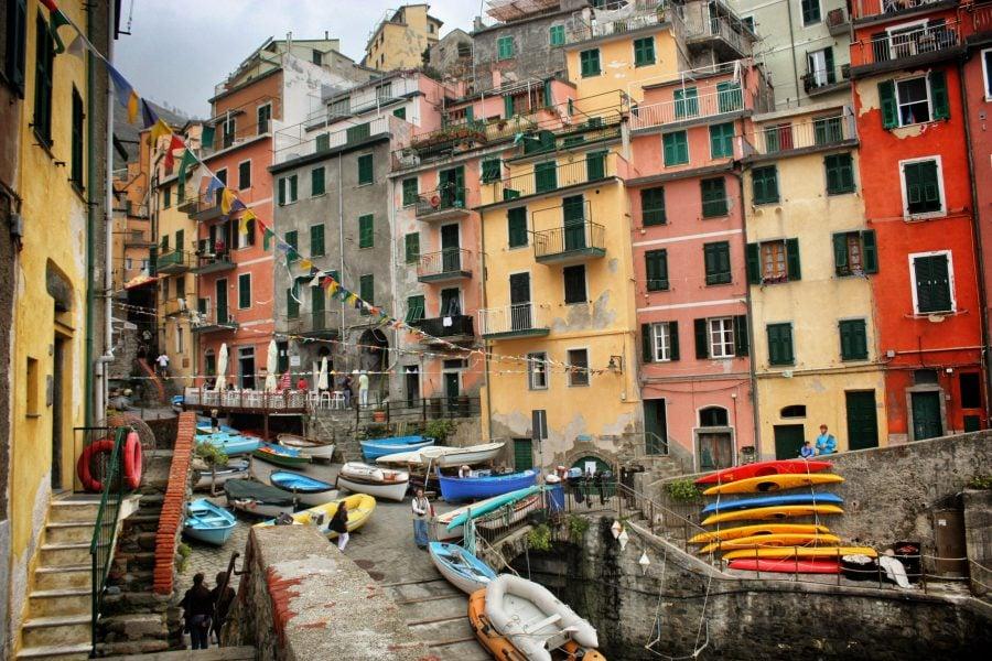 Casele colorate din Riomaggiore, Cinque Terre, Italia