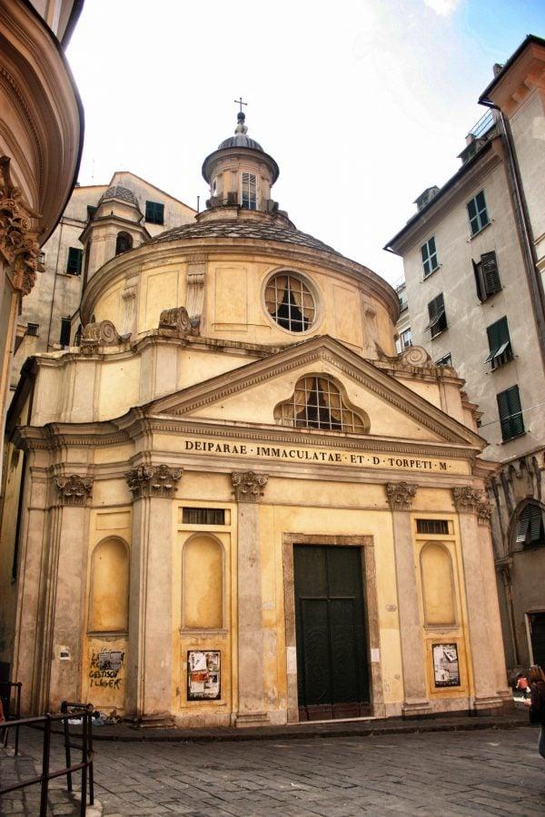 Biserică pe traseul medieval din Genova