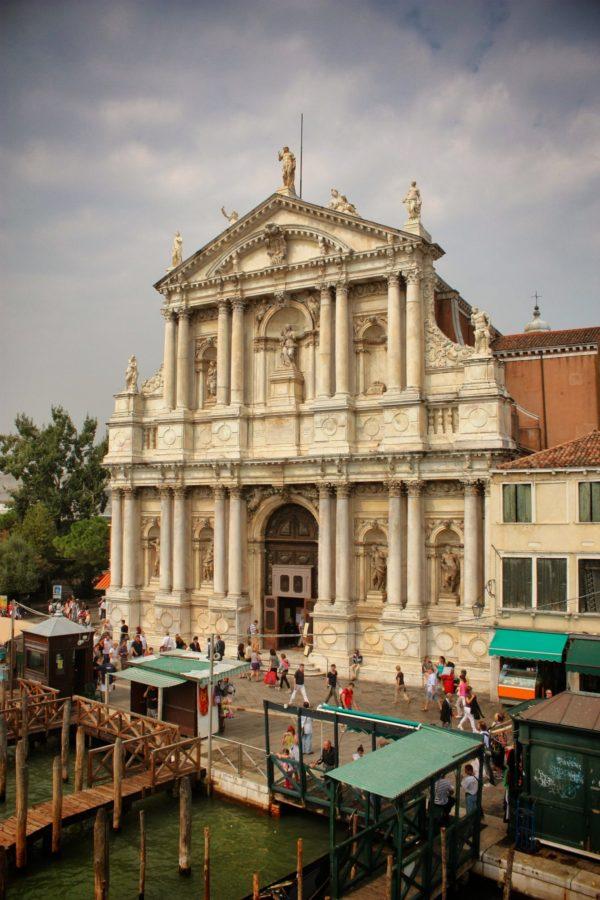 Fațadă clădire venețiană