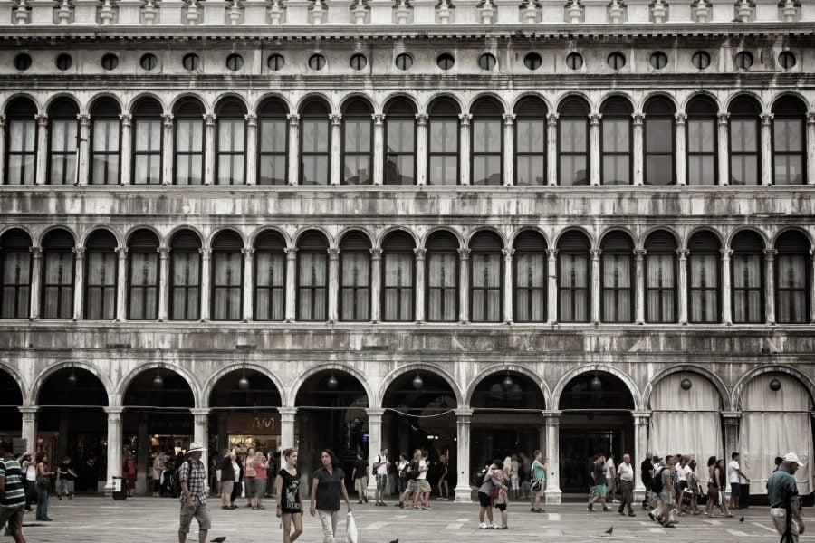 Fațada clădirii din piața San Marco din Veneția