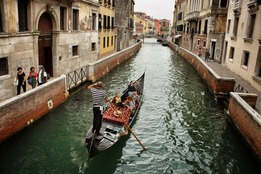 Gondolier puțin chel, Veneția