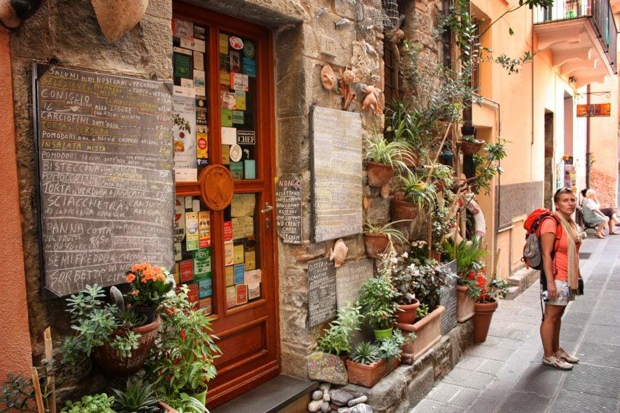 Magazin de suveniruri în Corniglia, Cinque Terre, Italia