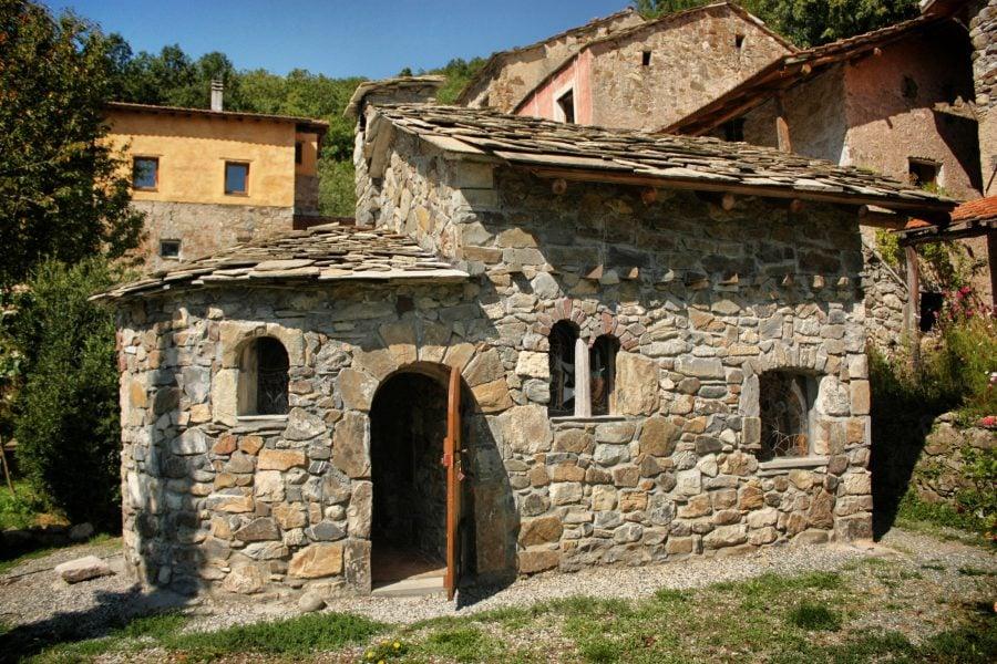 Mica biserica a (re)constructorilor, Italia