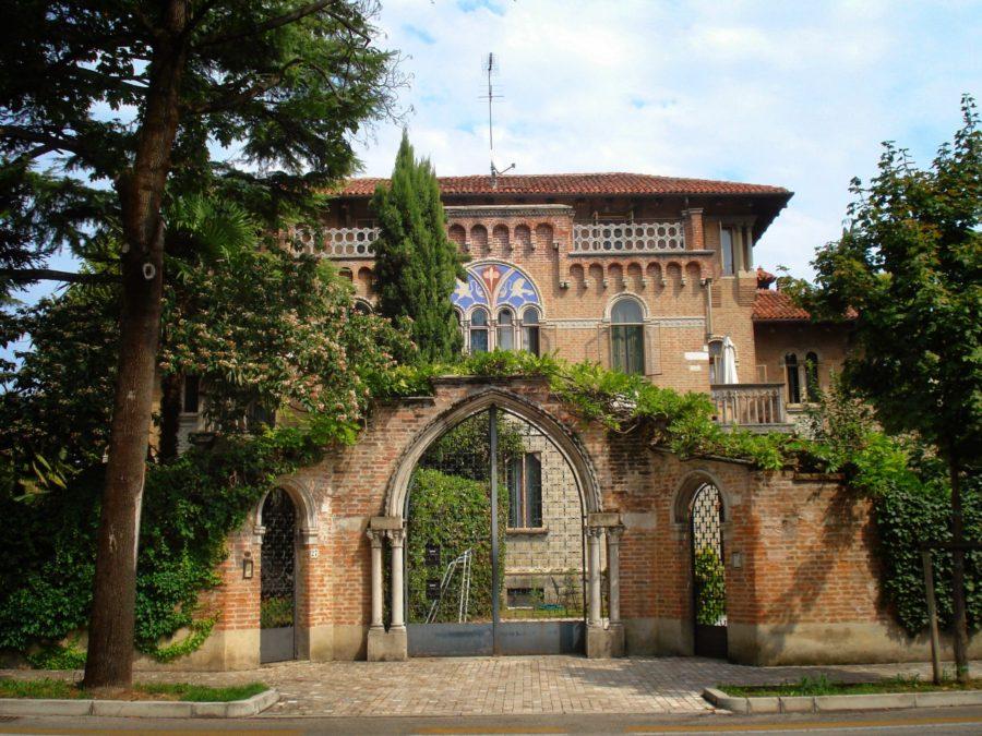 Poartă italiană în Treviso