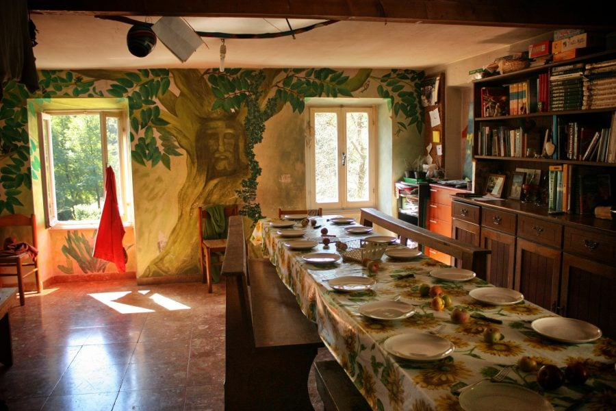 Sala de mese a (re)constructorilor, Italia