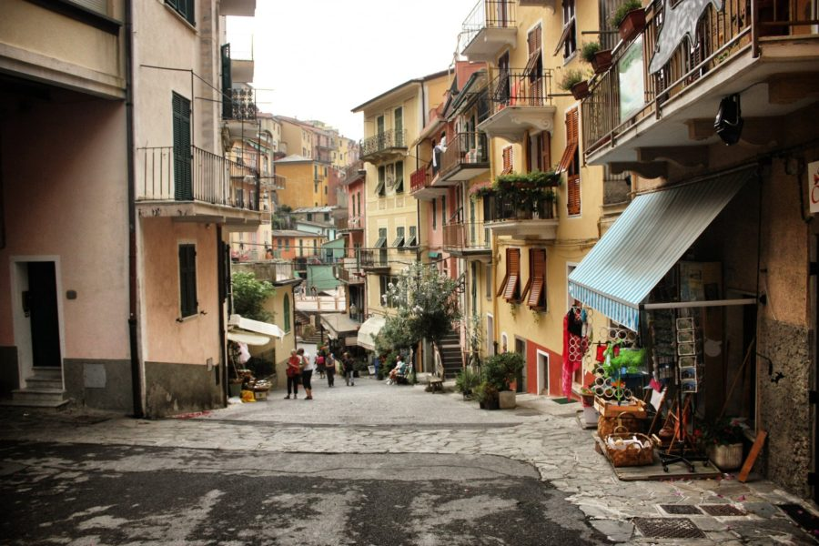 Stradă în Manarola, sat în Cinque Terre, Italia