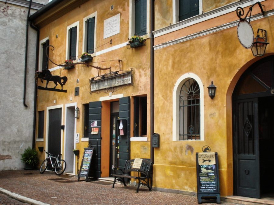 Stradă în Treviso, Italia