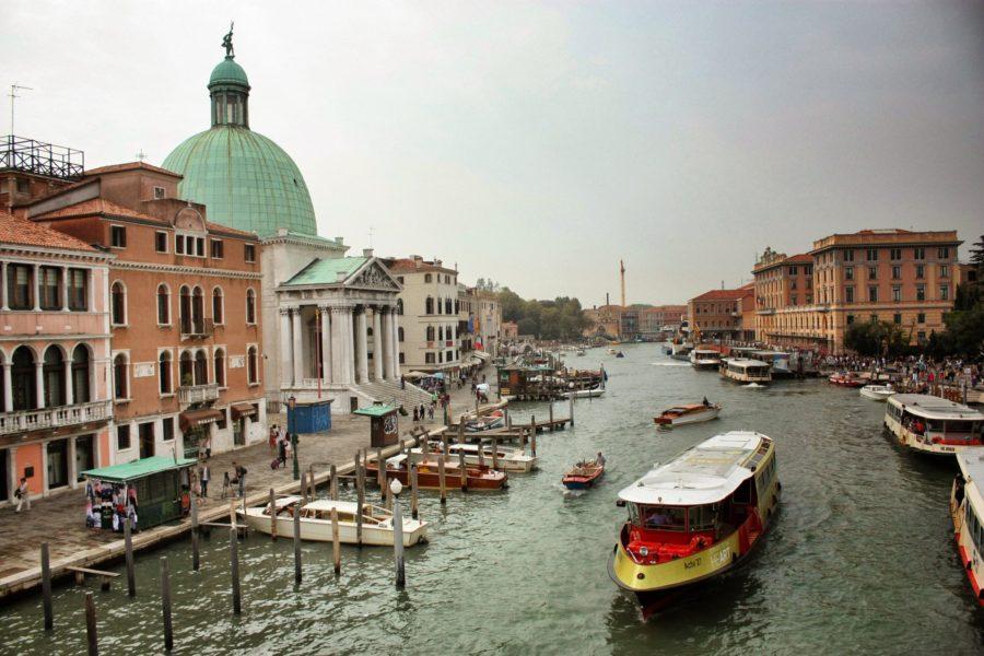 Vapporetti pe Canal Grande, Veneția