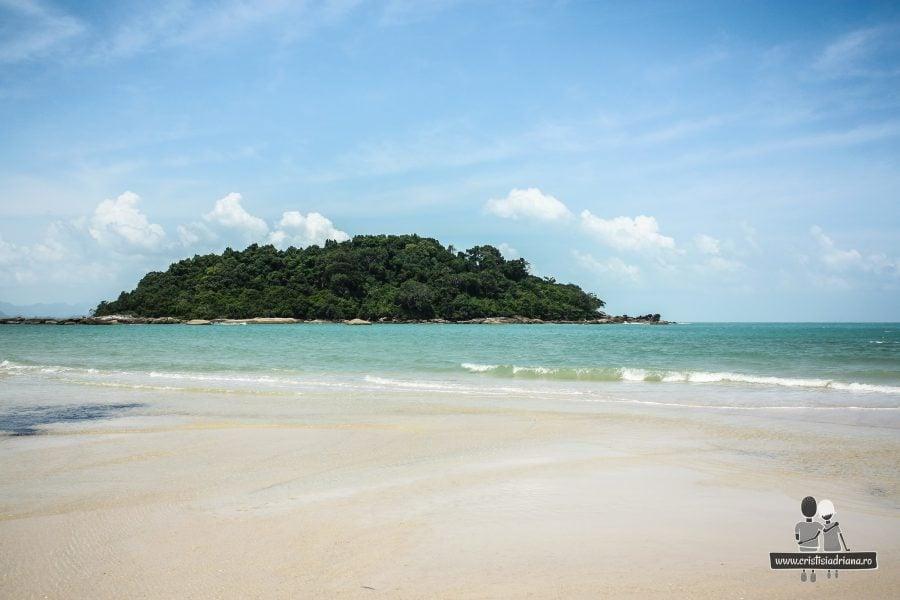 Plaja hotelului Berjaya
