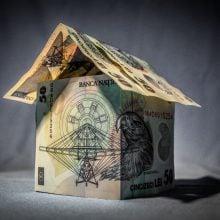 Cât costă o casă mică din baloți de paie?