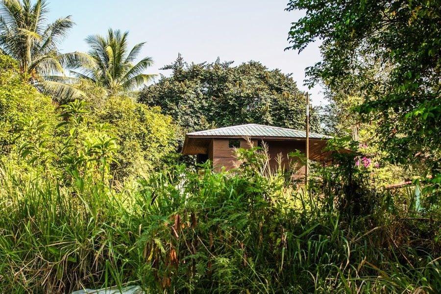 Casă tradițională malaeziană în junglă