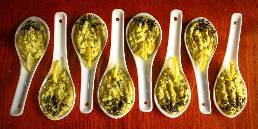 Linguri cu zucchini humus