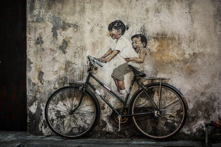 Penang Street Art - Copii pe bicicletă