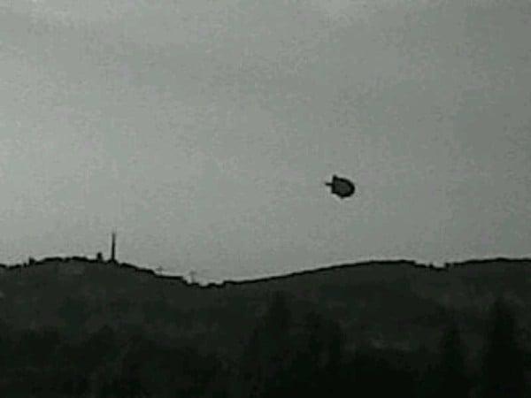 Obiect Zburator Identificat ca fiind un dirijabil