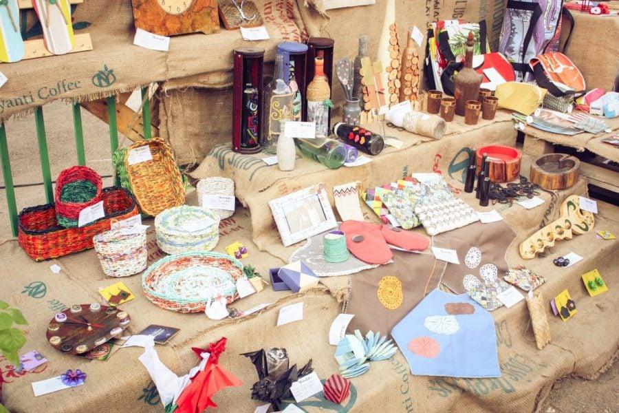 Targ de obiecte reciclate Intrarea Violoncelului
