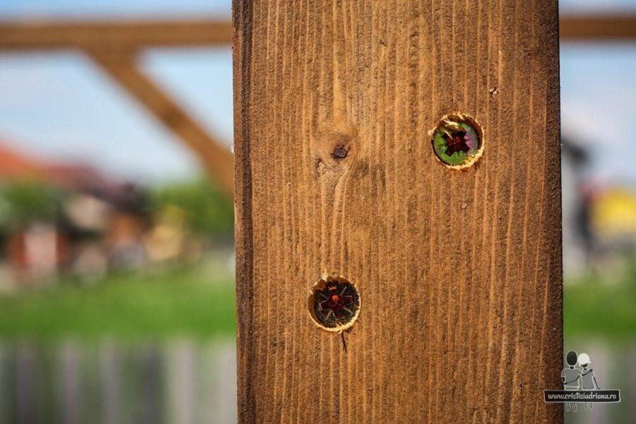 Șuruburi foișor de lemn